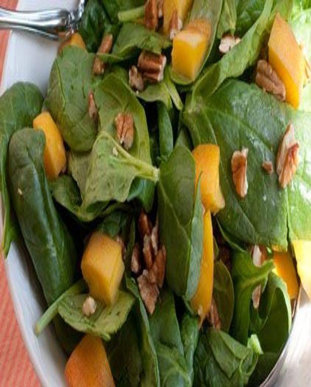 Salade à la mangue et aux pousses d'épinards