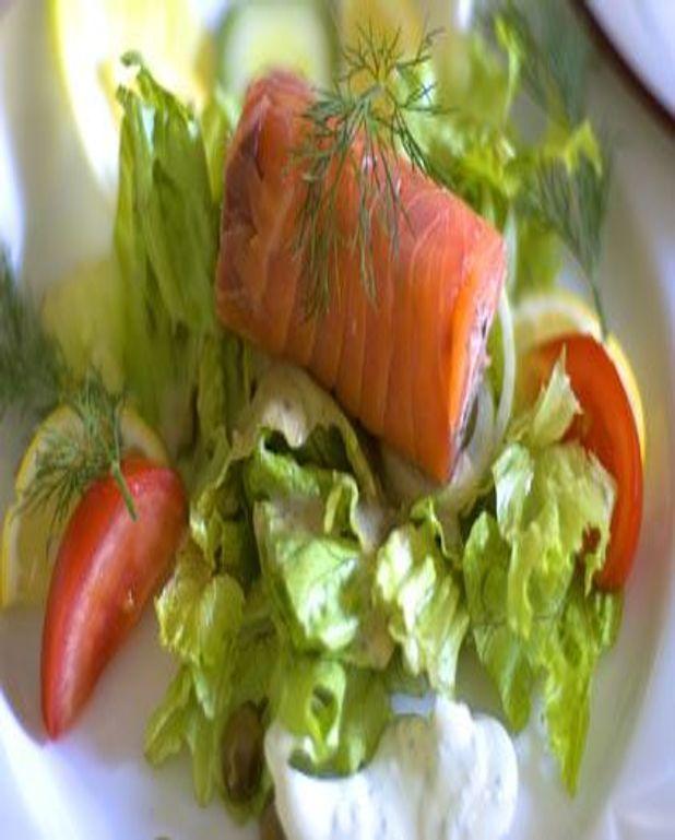 Salade au saumon et au yaourt citronné