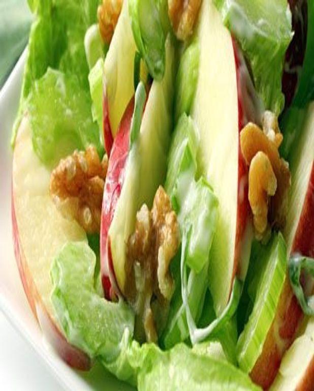 Salade aux pommes et aux noix