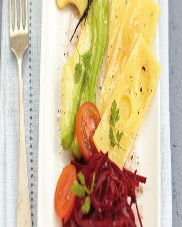 Salade d'avocat, betterave, emmental et vinaigrette vanille