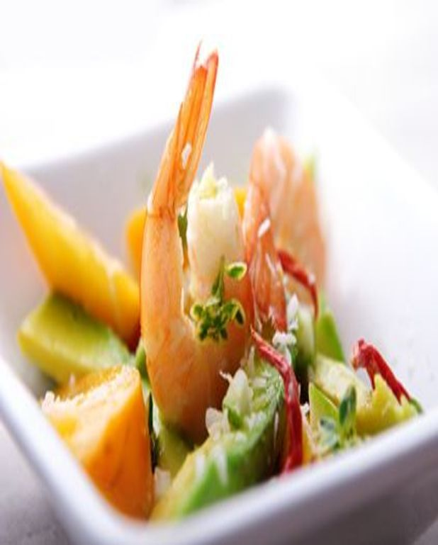 Salade de mangue et de crevettes