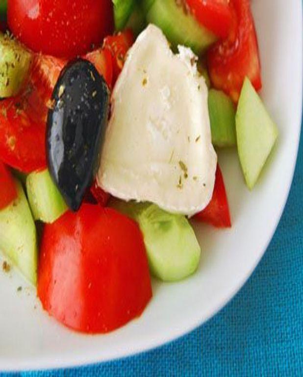 Salade grecque à la coriandre
