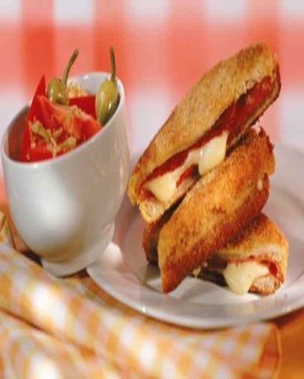 Sandwich chaud à la dinde et au fromage