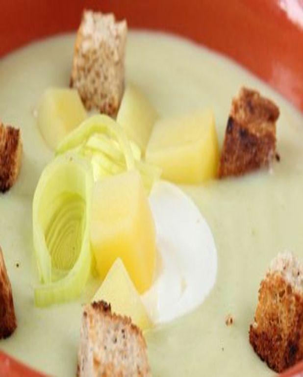 Soupe aux pommes de terre et aux poireaux