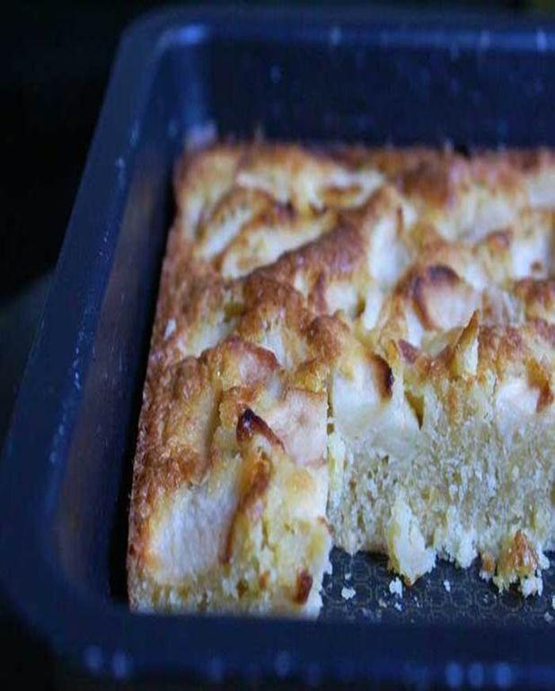 Gâteau aux pommes, amandes et rhum sans gluten