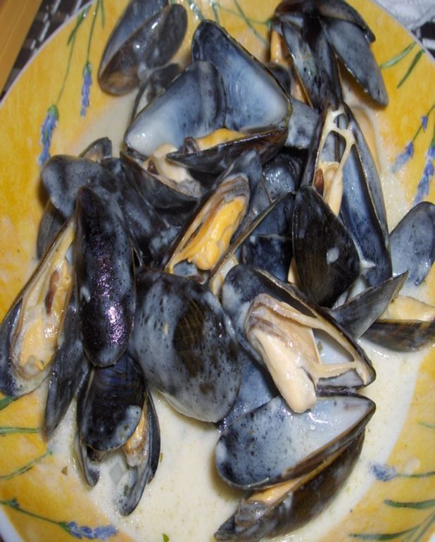 Moules de bouchot et leur sauce au comté