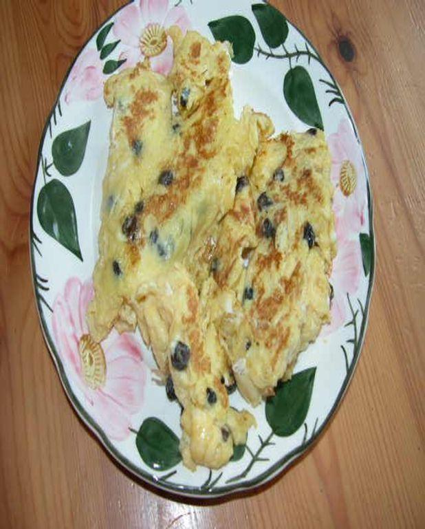 Omelette sucrée aux raisins et pain d'épice