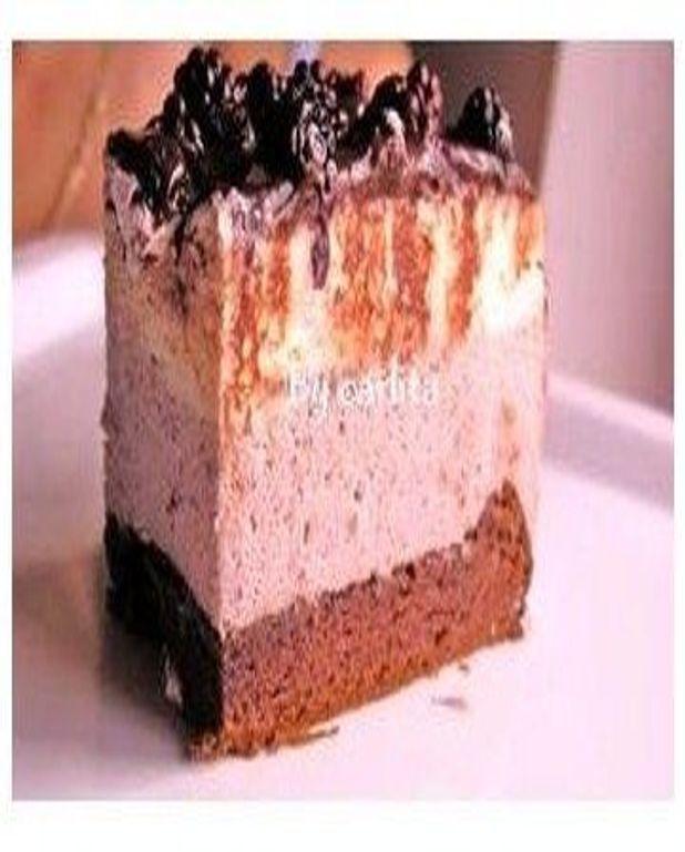 Gâteau au chocolat blanc et à la mousse aux framboises