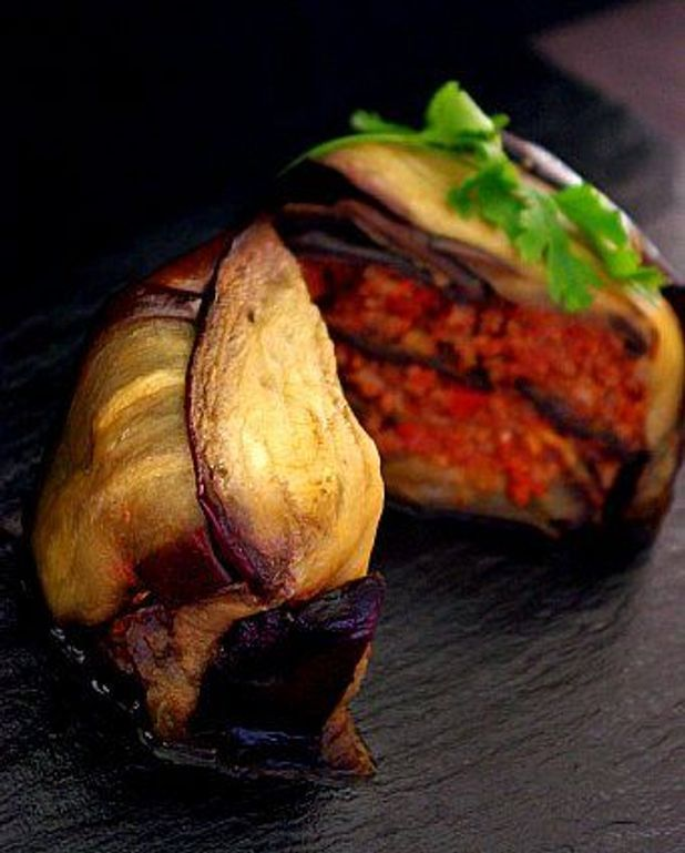 Mille-feuilles aubergine, viande, tomate