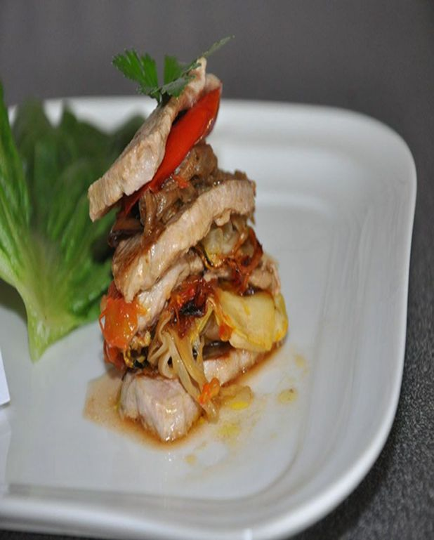 Millefeuille de porc et de légumes
