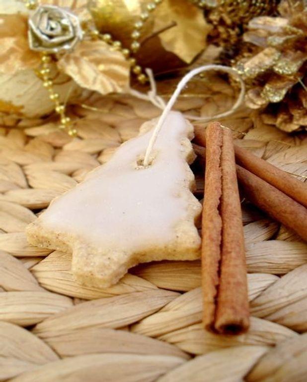 Petits Sablés de Noël à la Cannelle & Glaçage au Sucre Glace