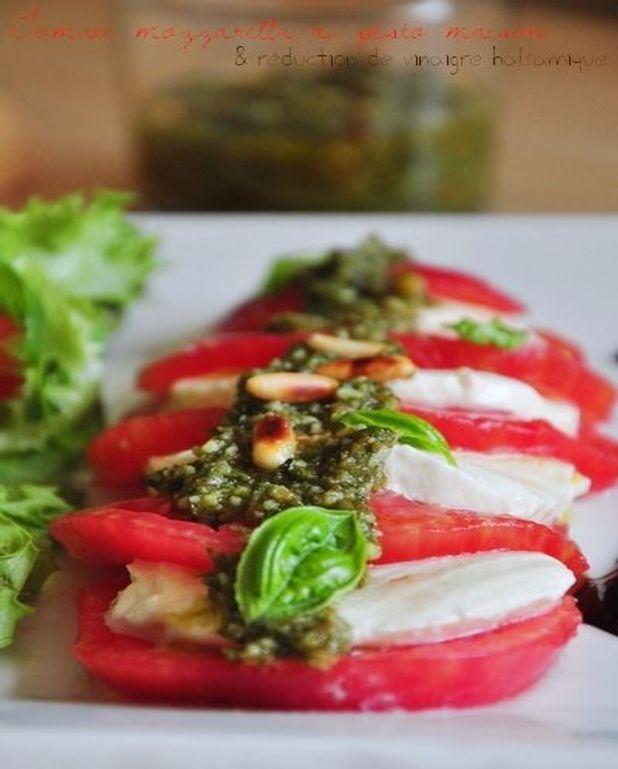 Tomate mozzarella au pesto
