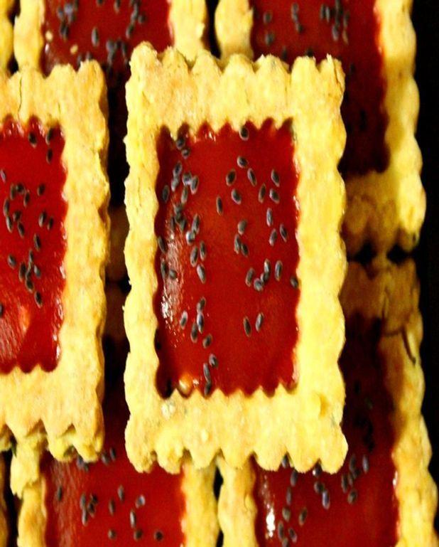 Sablés pimentés à la gelée de tomate et poivron