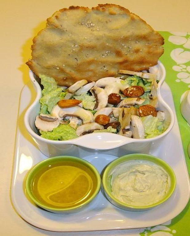 Salade de chou chinois et pita