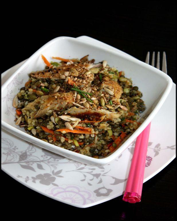 Salade de lentilles et boulghour d'épeautre au maquereau fumé au poivre