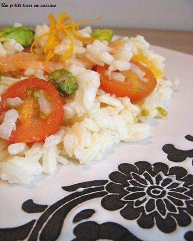 Salade de riz au saumon et pistaches, vinaigrette aux agrumes