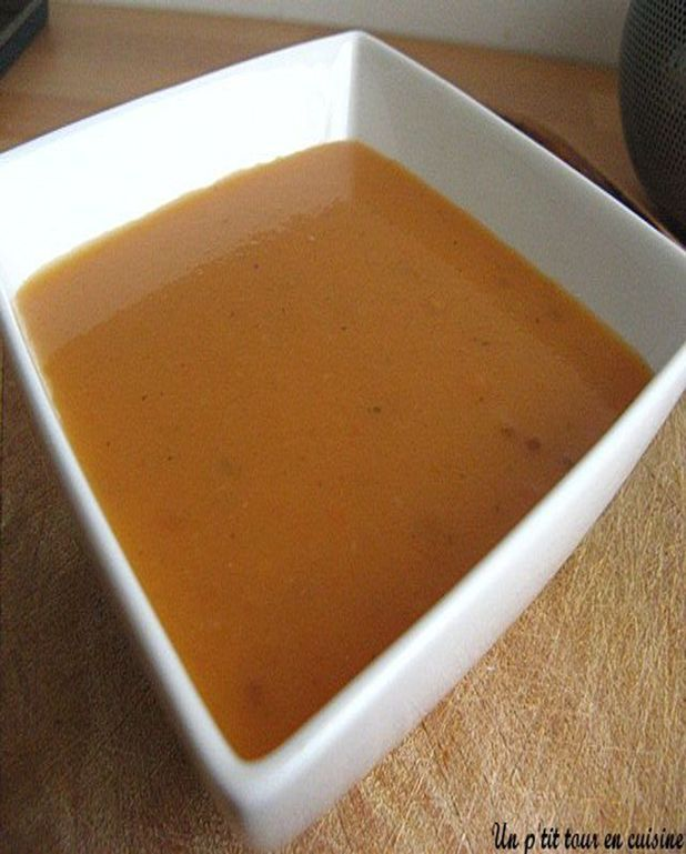 Soupe réconfortante à la tomate pomme de terre et basilic
