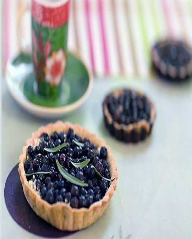 Tartelettes aux myrtilles et estragon, pâte au quinoa et à l'huile d'olive