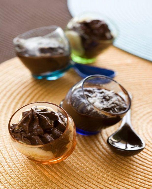 Trio chocolat–banane–avocat en version mousse et moelleux express.