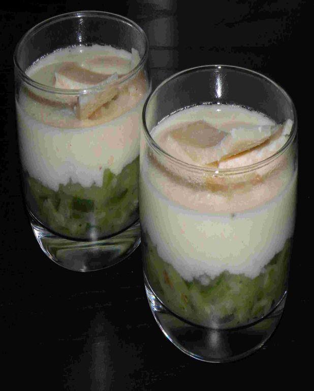 Verrines de caviar de courgettes et crème de parmesan