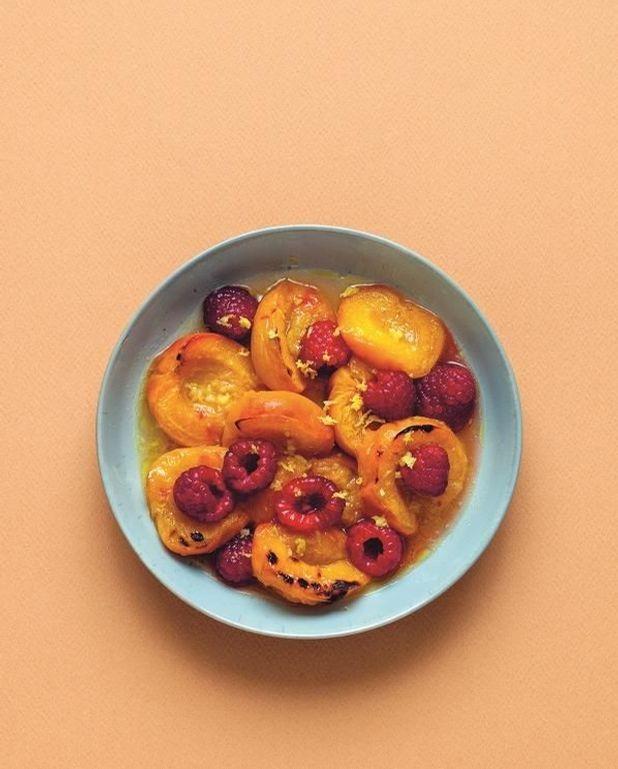 Abricots rôtis, framboises