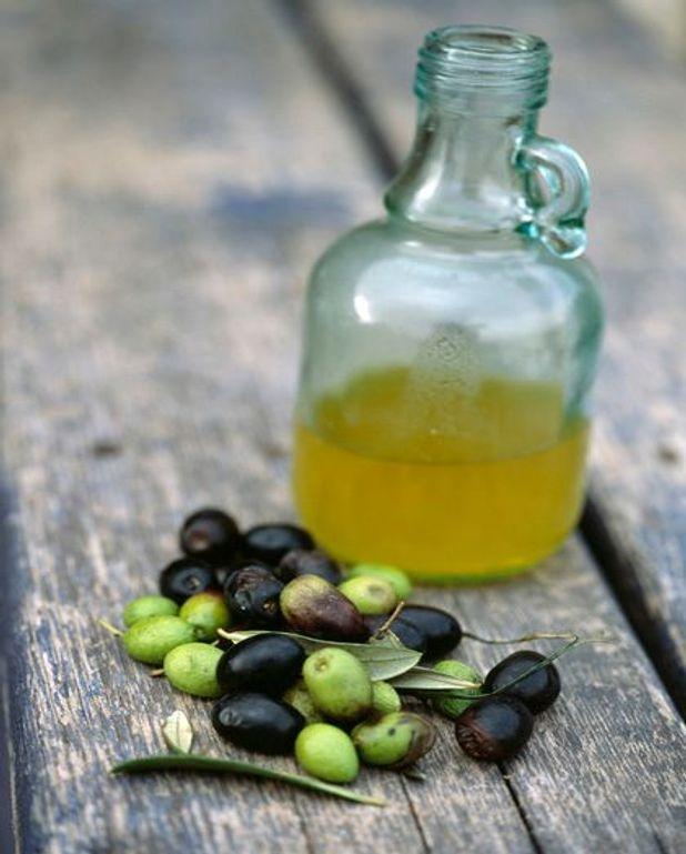 Aile de pigeon contisée aux olives