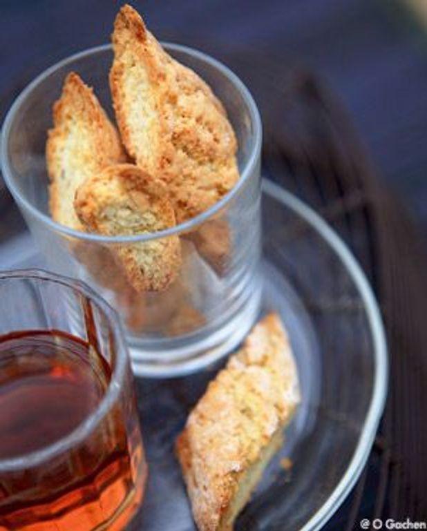 Biscuits à l'anis et au vin doux de Toscane (Cantuccini al Vin Santo)