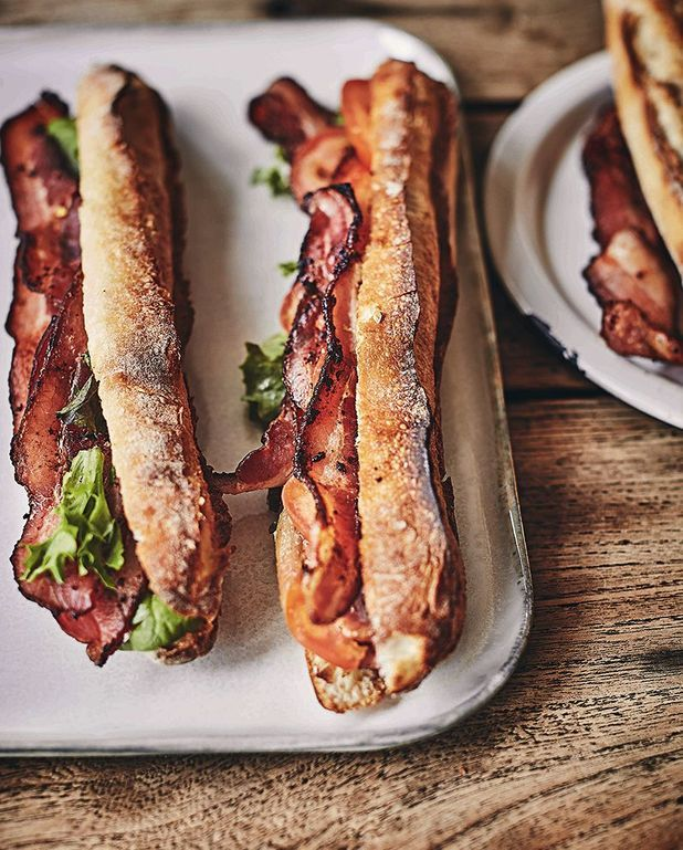 Sandwich bacon lettuce tomato (BLT)
