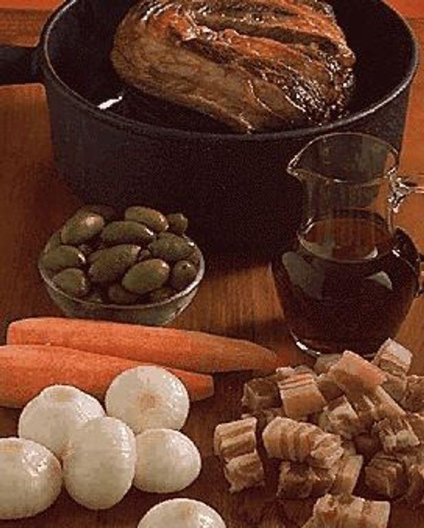 Boeuf Aux Olives Pour 6 Personnes Recettes Elle A Table