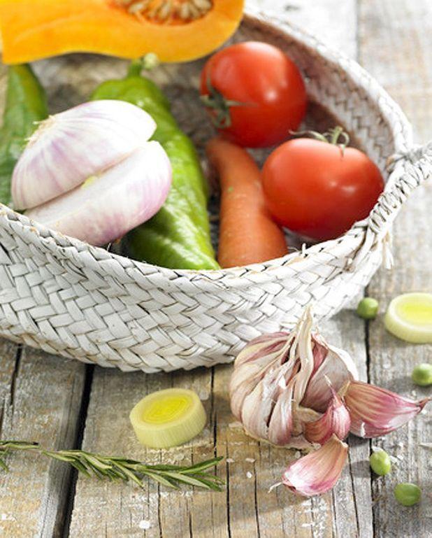 Bouillon au jarret de veau et légumes de printemps