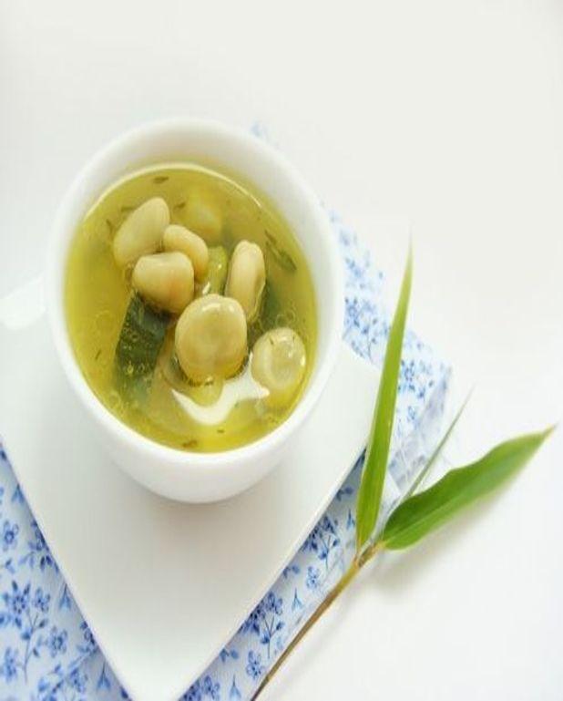 Bouillon aux fèves, gingembre et citron