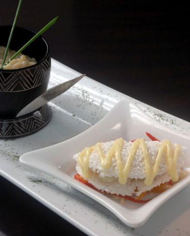 Brandade de Tucunaré* au lait de coco et crêpe dentelle de tapioca aux crustacées et cœur de palmier frais, confiture au piment