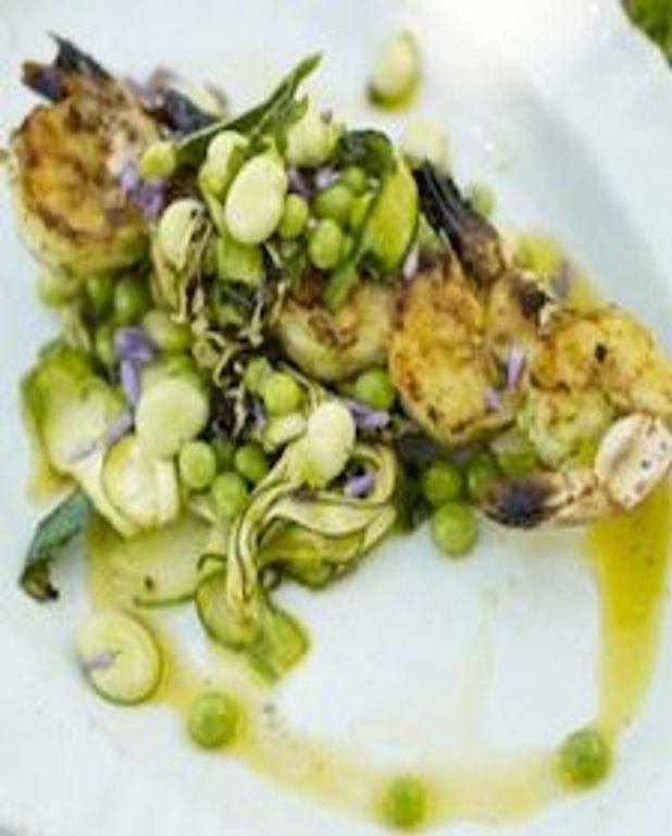 Brochettes de crevettes et légumes d'été