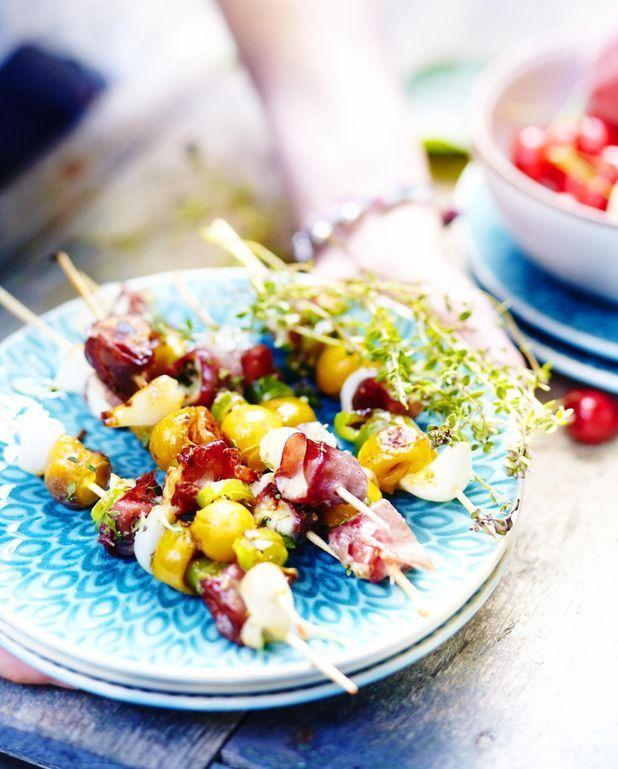 Brochettes de mirabelles au chèvre et bresaola