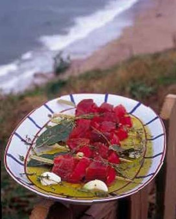 Brochettes de thon sauce au miel aux épices