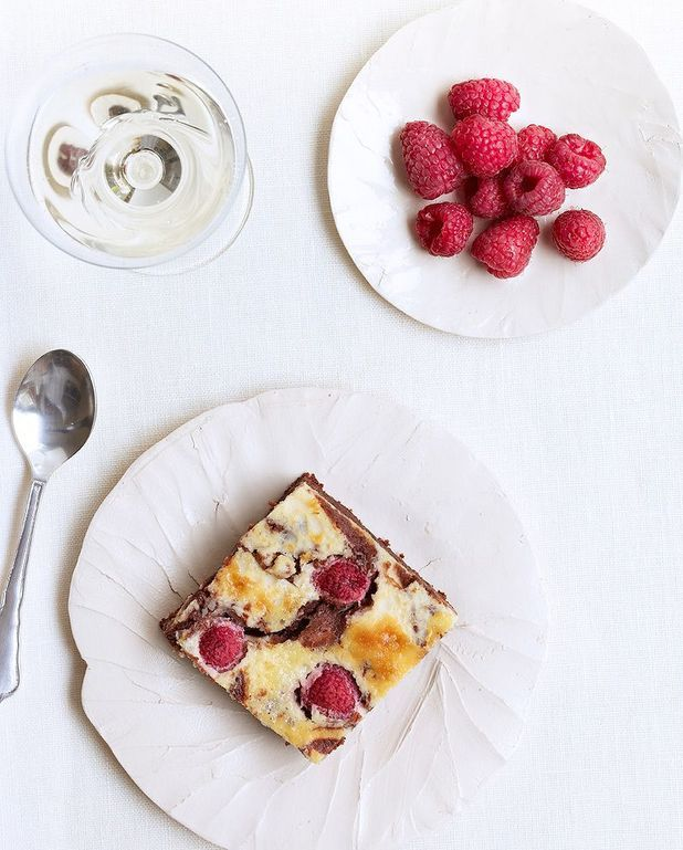 Brownie au cheesecake et framboises de Trish Deseine