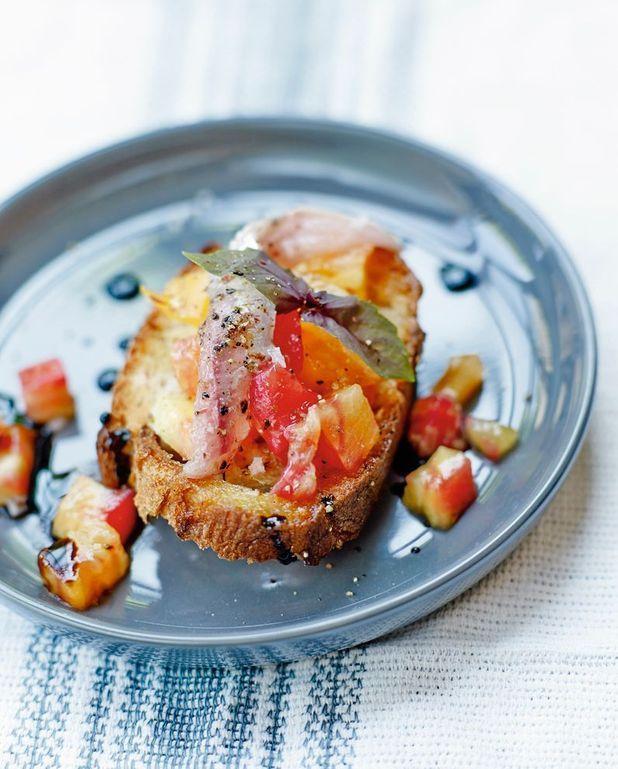 Bruschetta sardines fraîches et tomates ananas