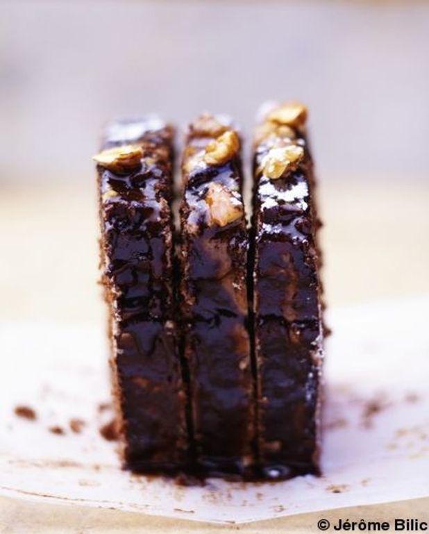 Cake chocolat, glaçage caramel-chocolat