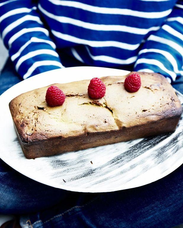 Cake matcha, chocolat blanc et framboises