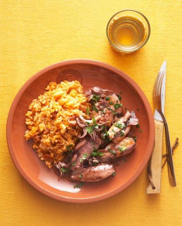 Calmars persillés, riz au chorizo : la recette chic