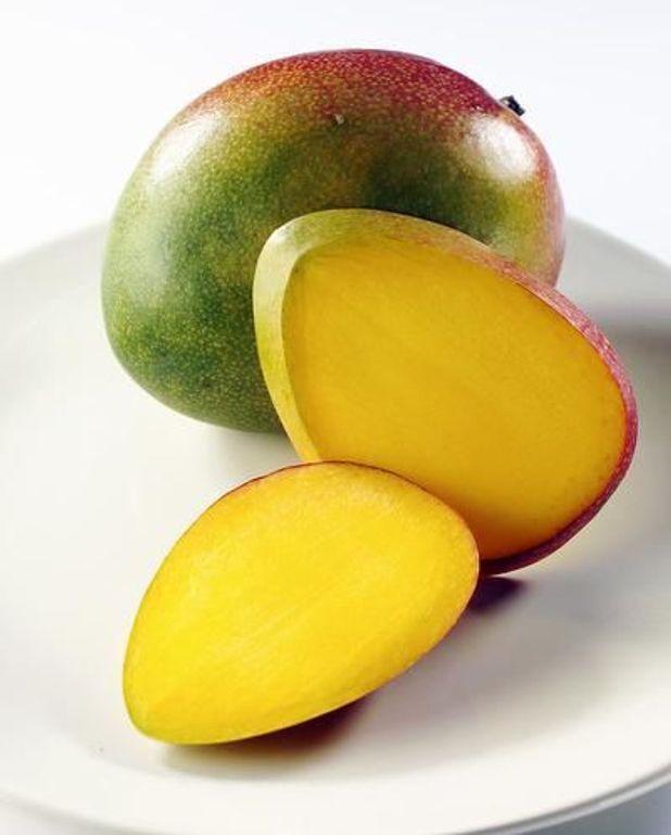 Carpaccio de mangue, sablés au thé matcha