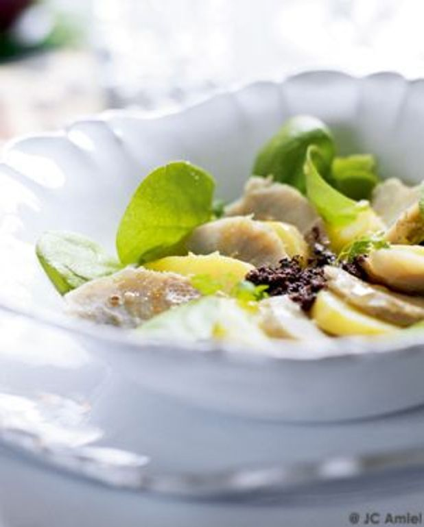 Carpaccio de rattes et fonds d'artichauts au caviar d'olive