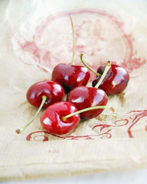 Cerises au vin rouge et à la menthe