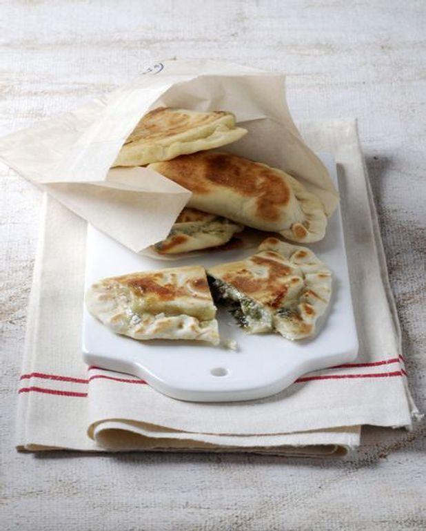 Chaussons aux olives et chorizo