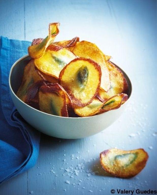 Chips de pommes de terre farcies aux anchois et basilic