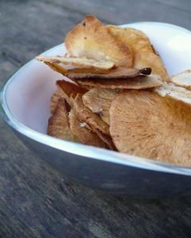 Chips de topinambour au four