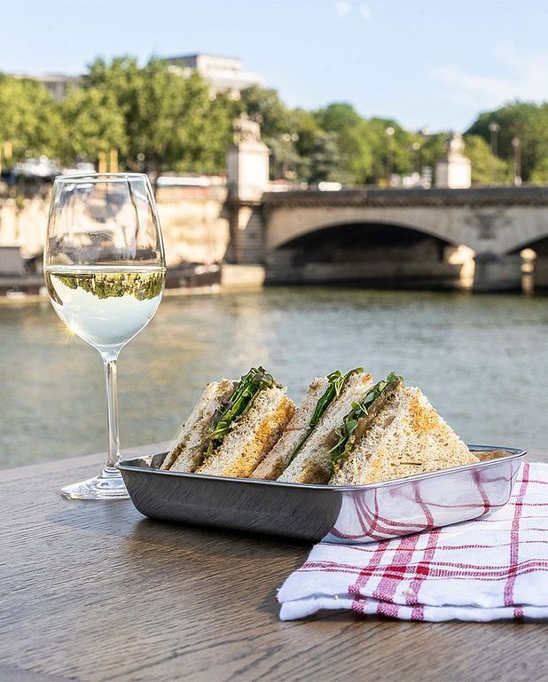 Club-sandwich aubergine-moutarde