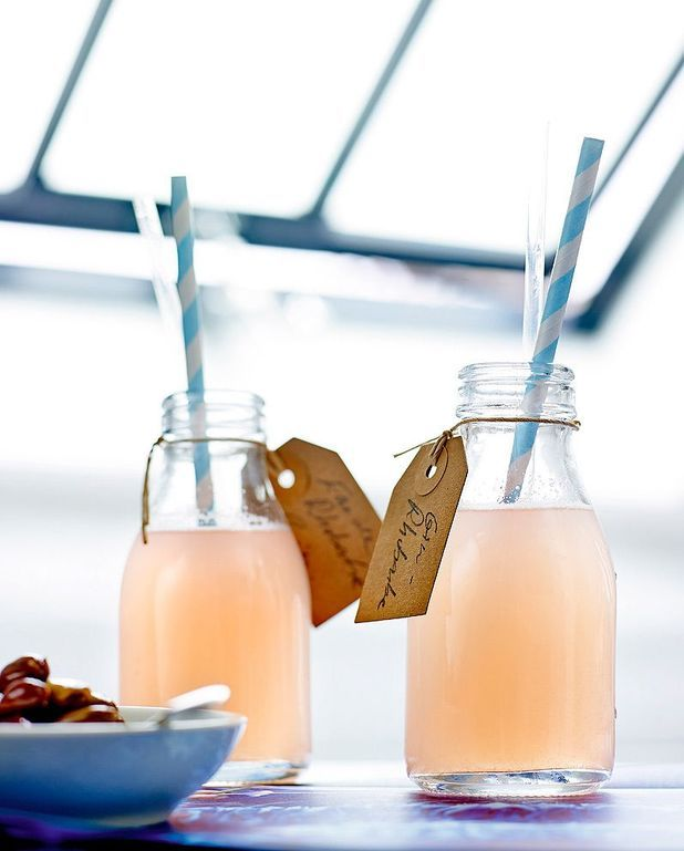 Cocktail rhubarb gin