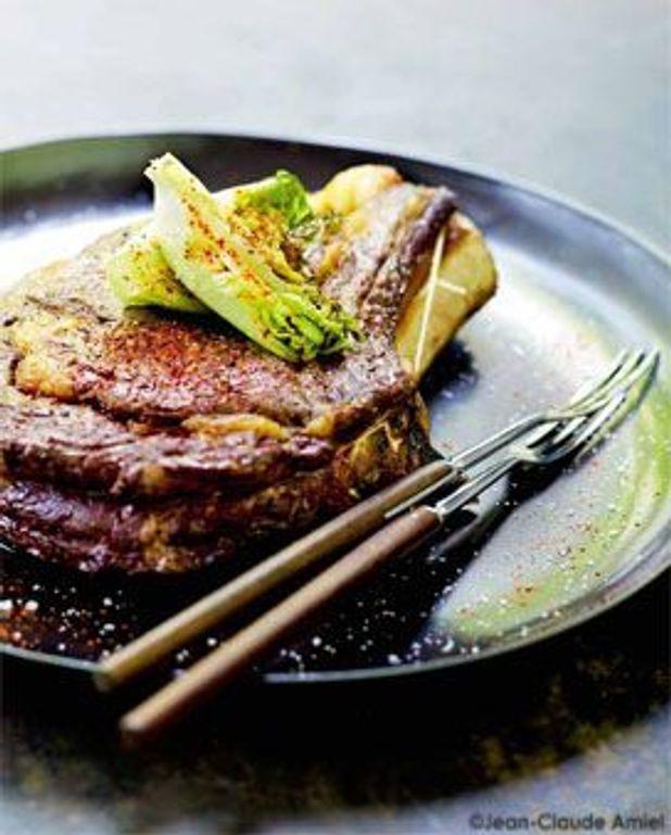 Côte de bœuf au four, coeurs de sucrines