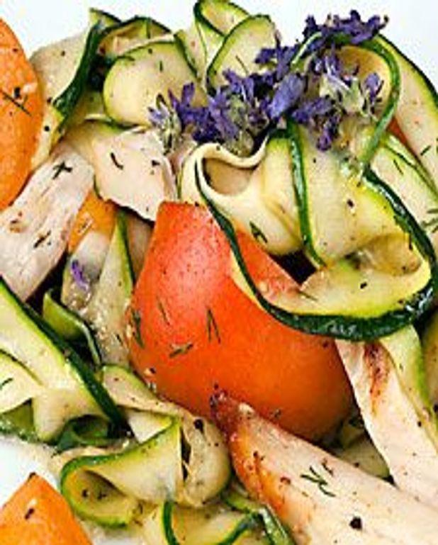 Courgettes et abricots en salade